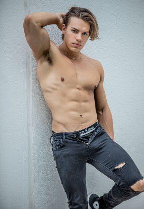Brisbane_Male-Stripper_Beau-Michaels_QLD__Gold-Coast_Queensland_Magic-Men-Australia