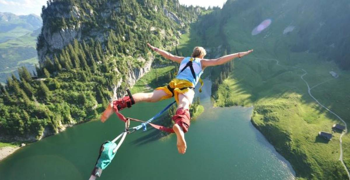 bungee jump hens lake and forest