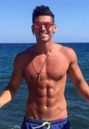 Sydney_Male-Topless-Waiter-Raffaele_New-South-Wales_SYD_Magic-Men-Australia