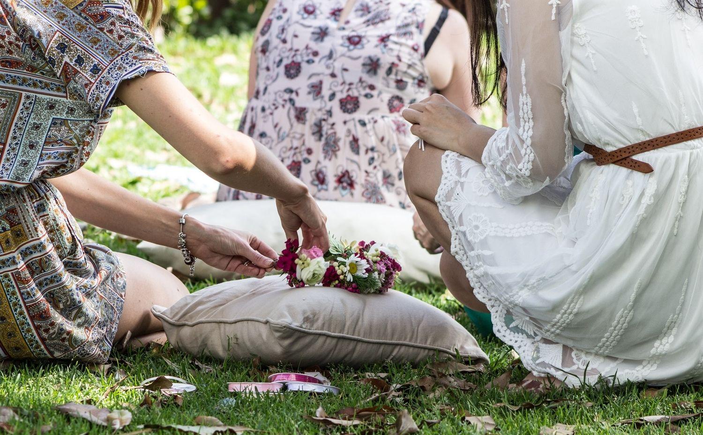 flower social girls sitting on grass