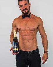 Sydney topless waiter thiago