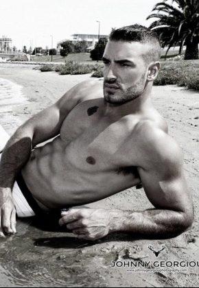 adam-topless-waiter