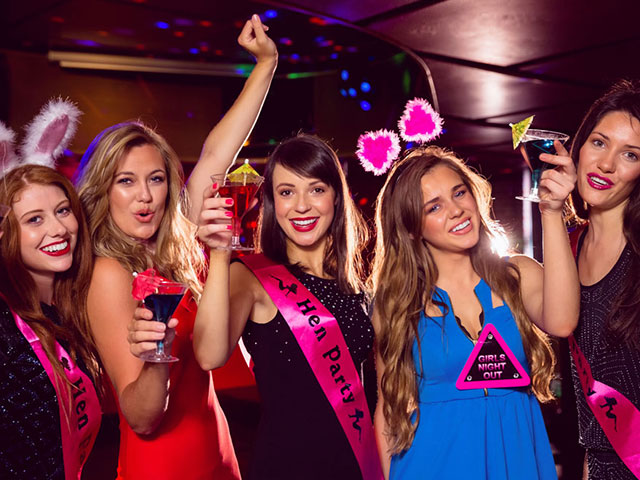 How To Spend a Day or Night in Sydney: 100 Party Ways for Hens